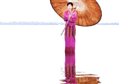 A flower born on the lake (Burma)